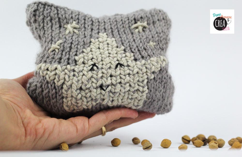 Quarta uscita Simple Stylish Maglia: cuscino scaldamani con noccioli di ciliegia