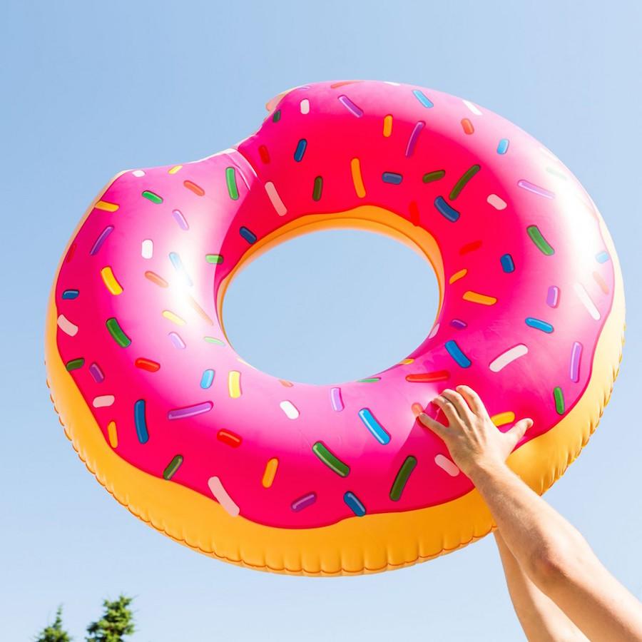ciambella-gonfiabile-gigante-a-forma-di-donut-ecf