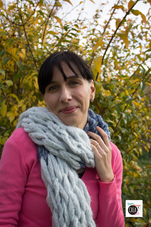 Come fare una sciarpa a maglia con le mani · Pane 34c9a504ef8d