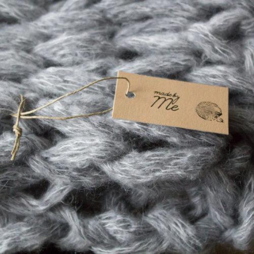 Come fare uno scaldacollo a maglia per lui, con le mani