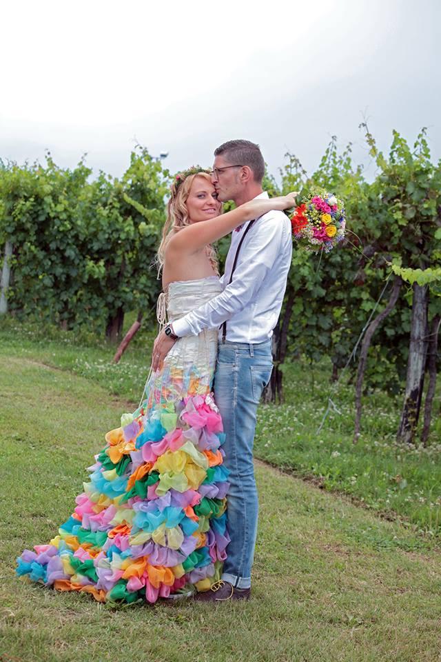 matrimonio originale - abito da sposa colorato