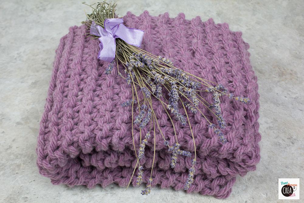 coperta a maglia lilla