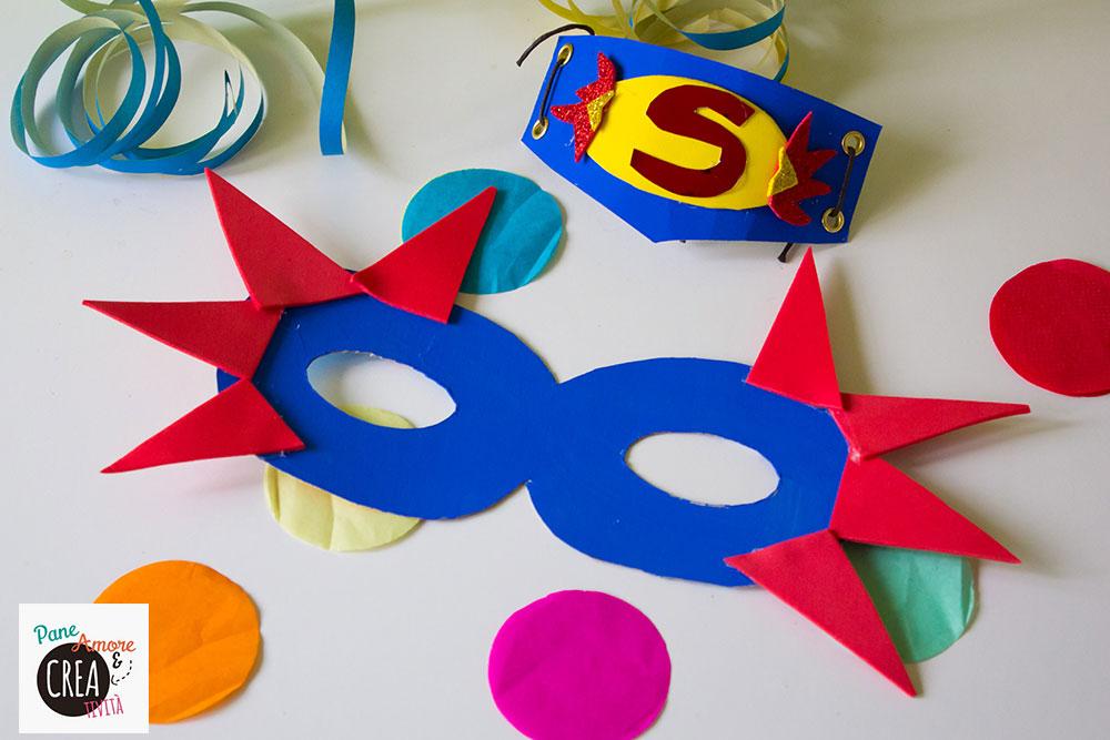 maschera-da-supereroe-blu-con-fiamme