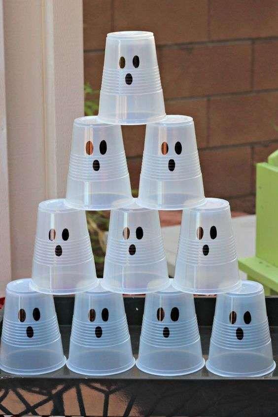 Bowling con i fantasmi da fare alla festa di Halloween